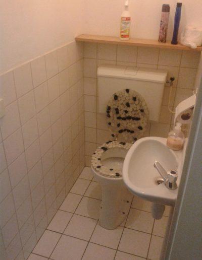 2 Toilet oud