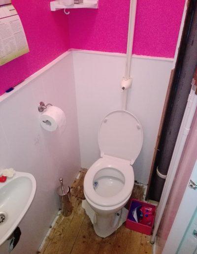 4 Toilet 1