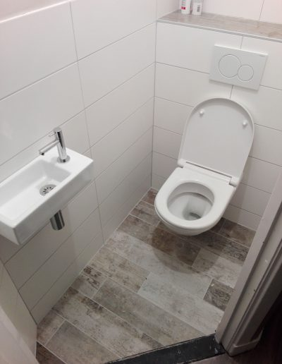 4 Toilet 2